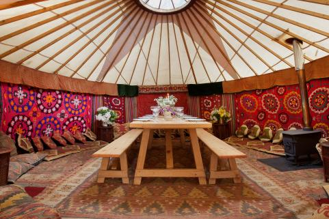 18ft yurt with sumptuous decor and 8ft banquet table