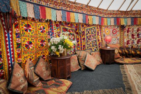 24ft yurt decor detail